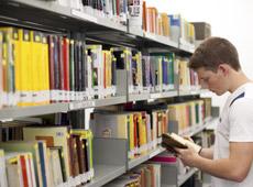 Colégio ETAPA - Ciclos de Literatura