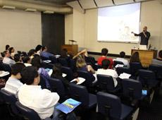 Colégio ETAPA - Palestra de Profissionais